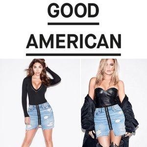 Good American Exposed Zip Mini Denim Skirt